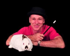 A Birthday Magician - Magic Glen